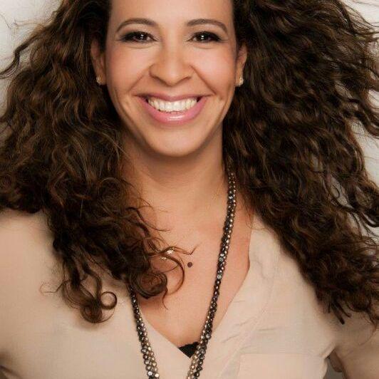 Dra. Marcia Linhares